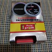 AutoGauge 2インチ ブースト計