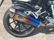 R1250RSr's gear リアルスペック フルエキゾースト マフラーの単体画像