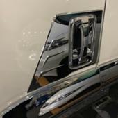 不明 いすゞ 07 エルフ ハイキャブ/ワイドキャブ メッキ ドアプロテクター 2点セット
