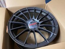 Cクラス ステーションワゴンENKEI Racing Revolution RS05RRの単体画像