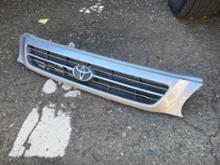 ターセルトヨタ(純正) 北米トヨタ用純正グリルの単体画像