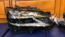 GSワンオフ 純正三眼カスタムヘッドライトの全体画像
