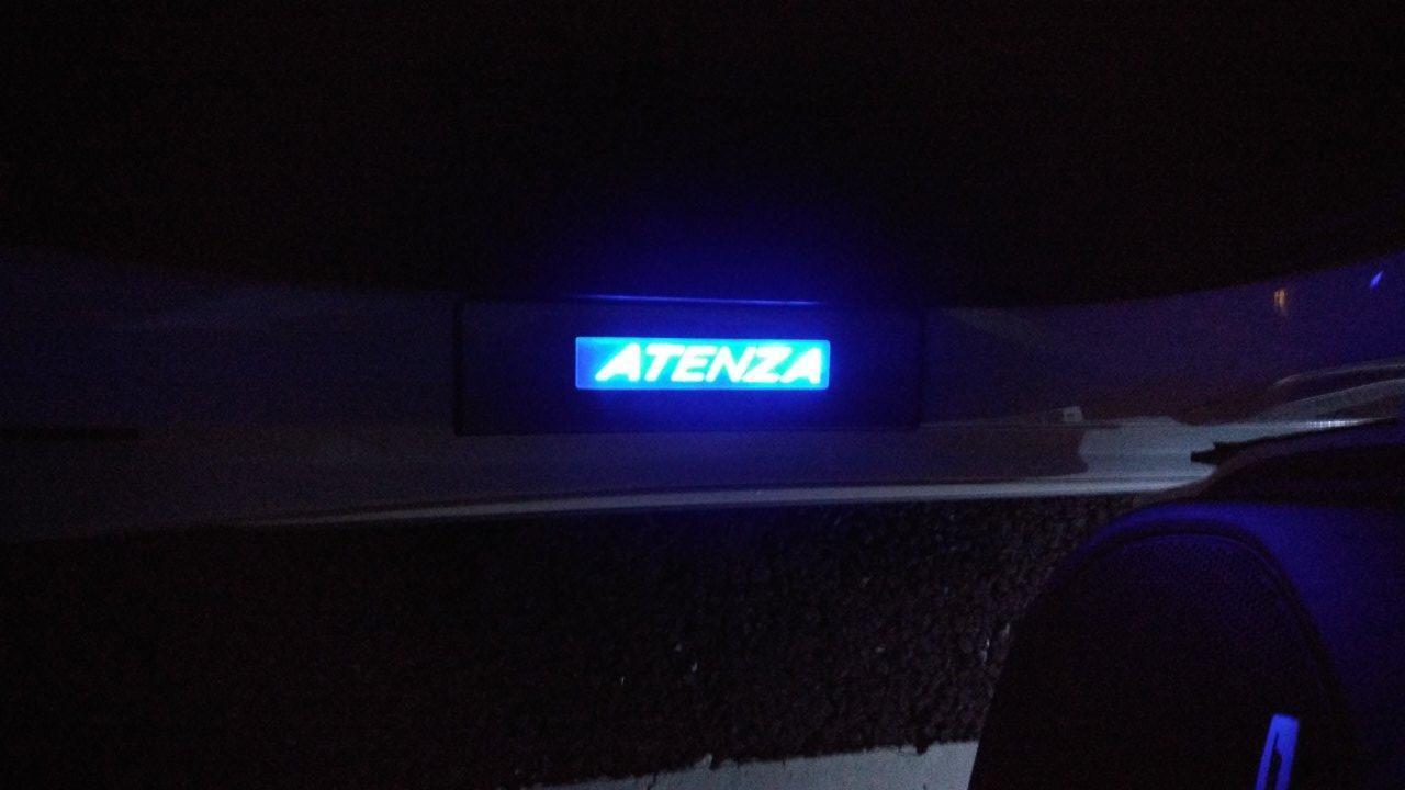 無名 LEDスカッフプレート ブルー 4枚