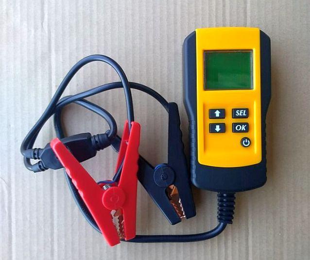 不明 Digital Battery Analyzer  AE300
