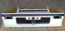 リーザダイハツ(純正) L100V フロントバンパーの単体画像