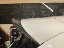 アバルト・595 (ハッチバック)KOSHI カーボンリアスポイラーの単体画像