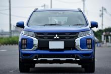 RVR三菱自動車(純正) カーボン調フロントグリルの全体画像