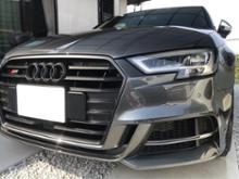 S3(セダン)Audi純正(アウディ) S3純正グリル マットブラック塗装の単体画像