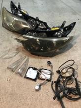 エスティマハイブリッドトヨタ(純正) ヘッドランプユニットの単体画像