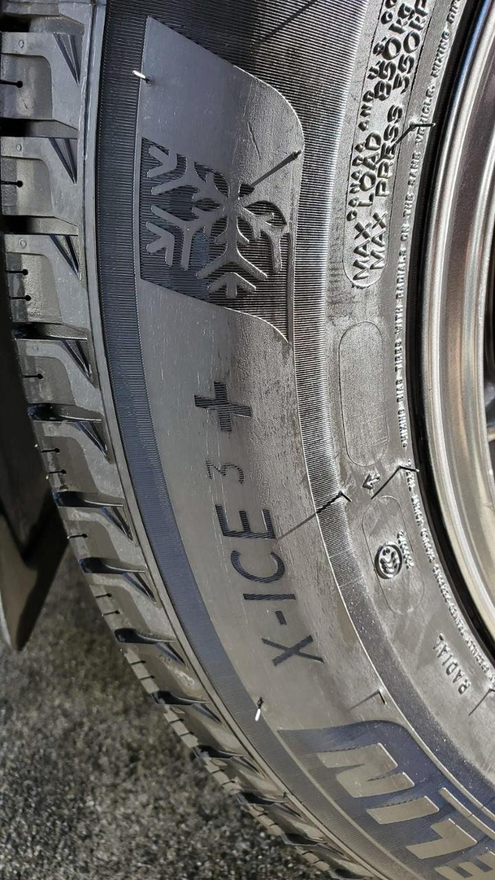 MICHELIN X-ICE3+ 225/65R17