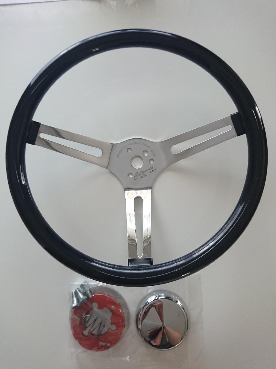 MOON EYES White Vinyl Grip Steering Wheel