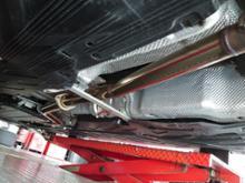 Cクラス ステーションワゴンKWD溶接工房さん ワンオフ中間ストレートマフラー(純正加工)の単体画像