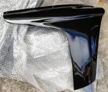 マジェスティ125CJ-BEET フロントサイドカウルの全体画像