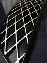 R1スバル(純正) フロントグリルの単体画像