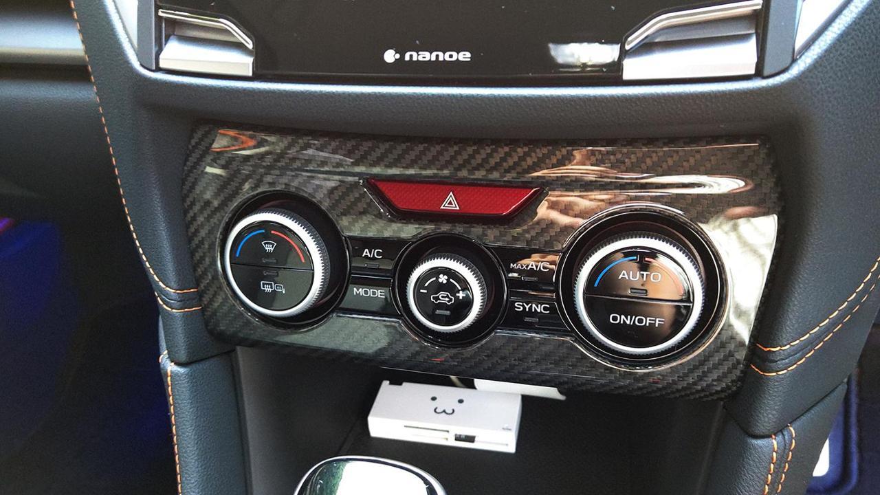 AXIS-PARTS GT-DRYカーボン エアコンスイッチパネルカバー
