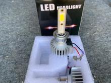 R1100Sノーブランド LEDヘッドランプの単体画像