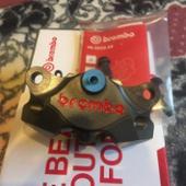 brembo CNC削り出し84mm2ポット