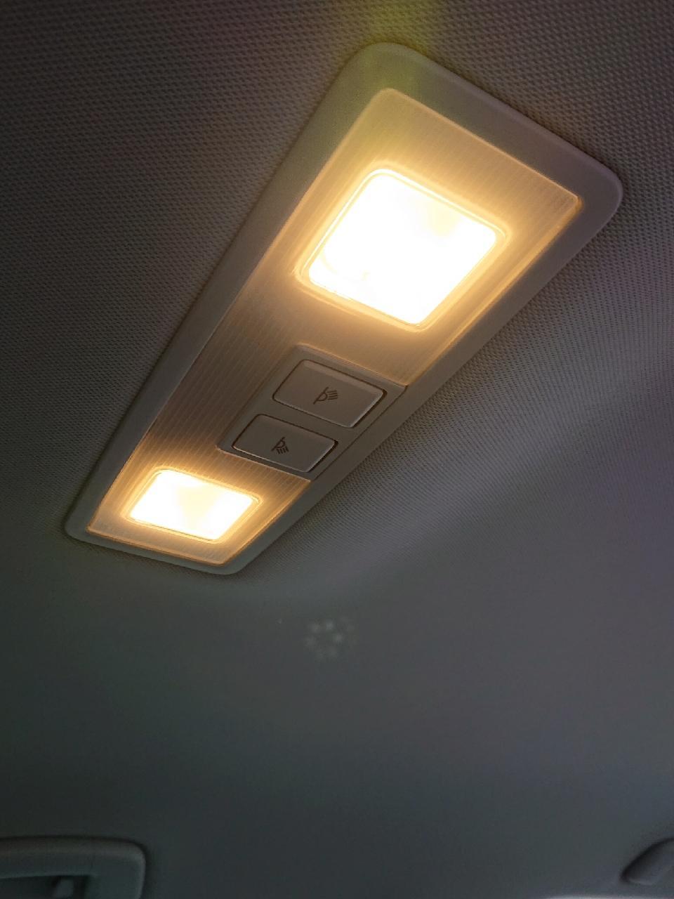 不明 暖色LED