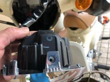 スーパーカブ110_JA44キタコ ヘッドライトバイザー スーパーカブC125(JA48)、クロスカブ110(JA45)、スーパーカブPRO110(JA42)等 800-1310100の全体画像