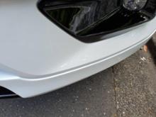 XC40ボルボ(純正) フロントスポイラー ボディ同色塗装の全体画像