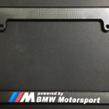 [BMW 2シリーズ グランクーペ]不明 カーボン柄 BMW Mマークナンバーフォルダーを買いました。
