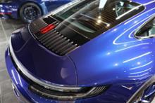 911 (クーペ)ポルシェ(純正) リアリッドのエアインテークスラッチ塗装仕上げの単体画像