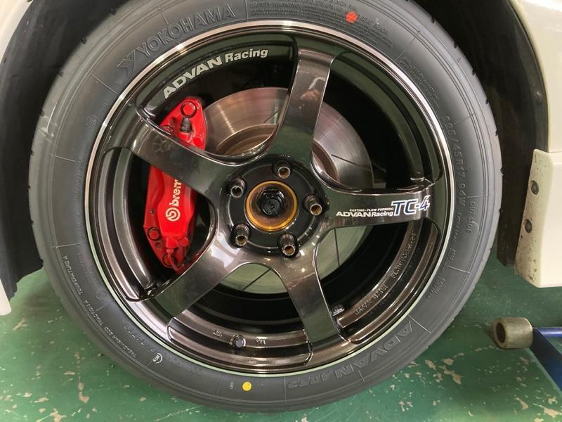 YOKOHAMA ADVAN Racing TC-4