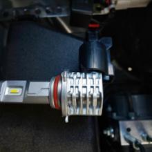 シフォンCREE 高輝度 LED6500K 最新モデル CREE高輝度 LEDハイビーム バルブ 50W HB3 車検対応 6500K ホワイト 冷却ファンレス 2個セットの単体画像
