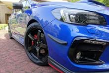 ADVAN Racing  GT BEYOND