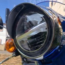 スーパーカブ110_JA44アウトスタンディンクモーターサイクル ヘッドライトウィングキャップカバーの単体画像