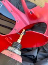CB400 SUPER FOUR スペック3バイクパーツセンサー ビキニカウル赤塗装済み+カウル取付ボルトセット 汎用φ180の全体画像