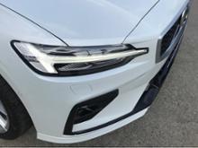 V60ボルボ純正 R-Designフロントバンパーの全体画像