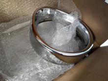 FLSTN Nostalgiaハーレーダビッドソン(純正) 69733-05 ヘッドライト トリムリング バイザーの単体画像