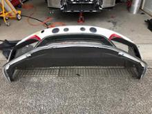 718 ケイマンManthey-racing Dry carbon front bumper / 24H additional lamp kitの全体画像