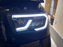 セコイアVLAND ヘッドライトの全体画像
