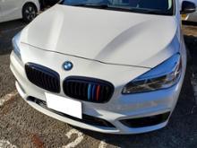 2シリーズ アクティブツアラー不明 BMW F45 F46 フロントグリル 艶有黒+Mの3色カラーの単体画像
