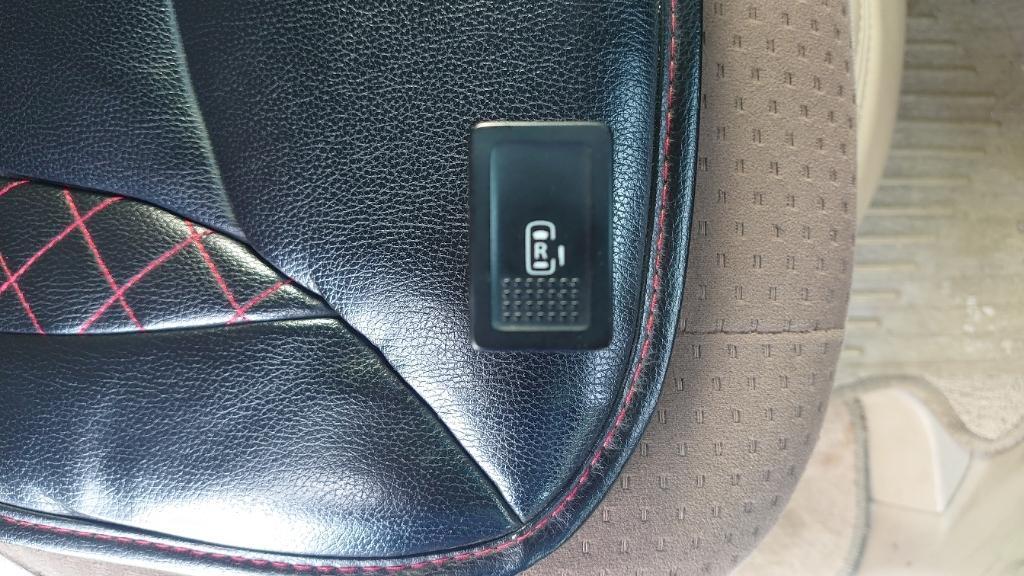 スズキ(純正) DA64W 右側電動スライドドアスイッチ