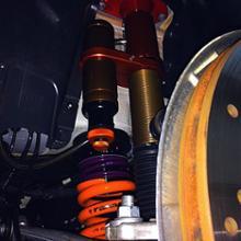 M3 セダンAragosta All Wheel Pillow Ball Triple Adjustable Remote Reservoir Suspention Systemsの全体画像