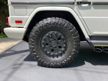 Gクラス (ハッチバック)HUTCHINSON Military Style Beadlock Wheelの単体画像