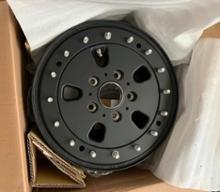 Gクラス (ハッチバック)HUTCHINSON Military Style Beadlock Wheelの全体画像
