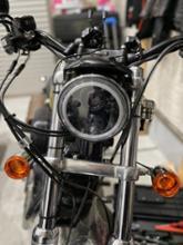 スポーツスター883R不明 5.75インチLEDヘッドライトの単体画像
