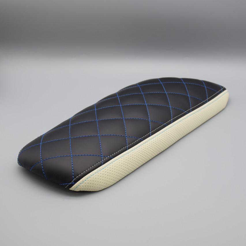 Leather Custom FIRST C-HRセンターアームレスト革張り加工