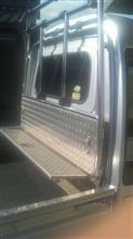 アニーアニーさんのハイキャブトラック メイン画像
