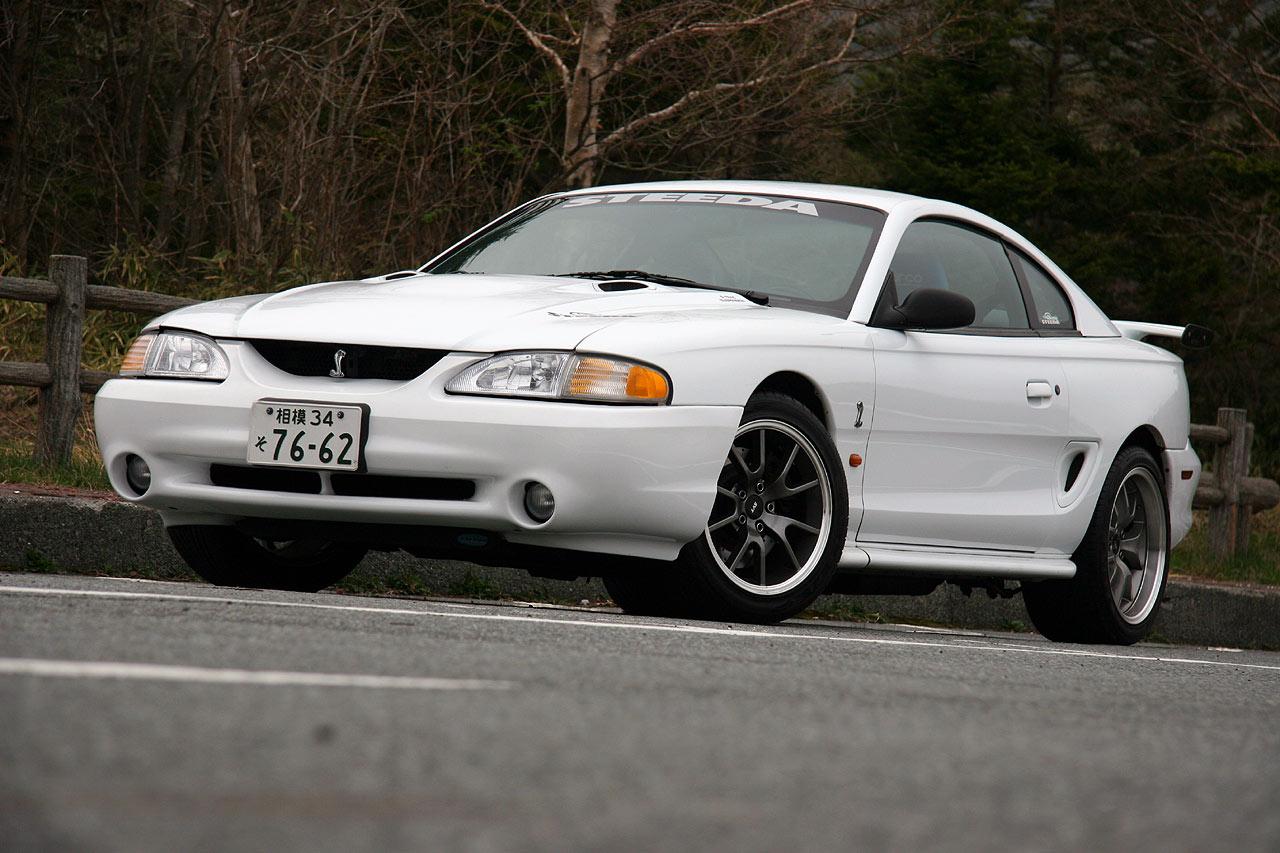 フォード マスタングSVTコブラ