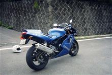 kazupiさんのZXR750 リア画像