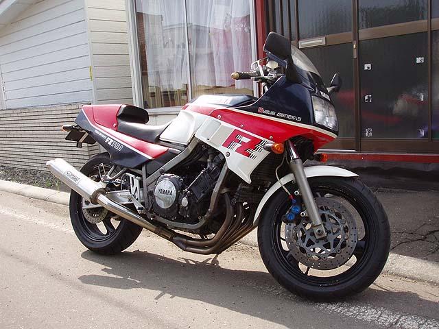 六三式鉄騎兵(元Meister-J)さんのFZ750