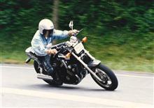 ぐらふーさんのFZX750 左サイド画像