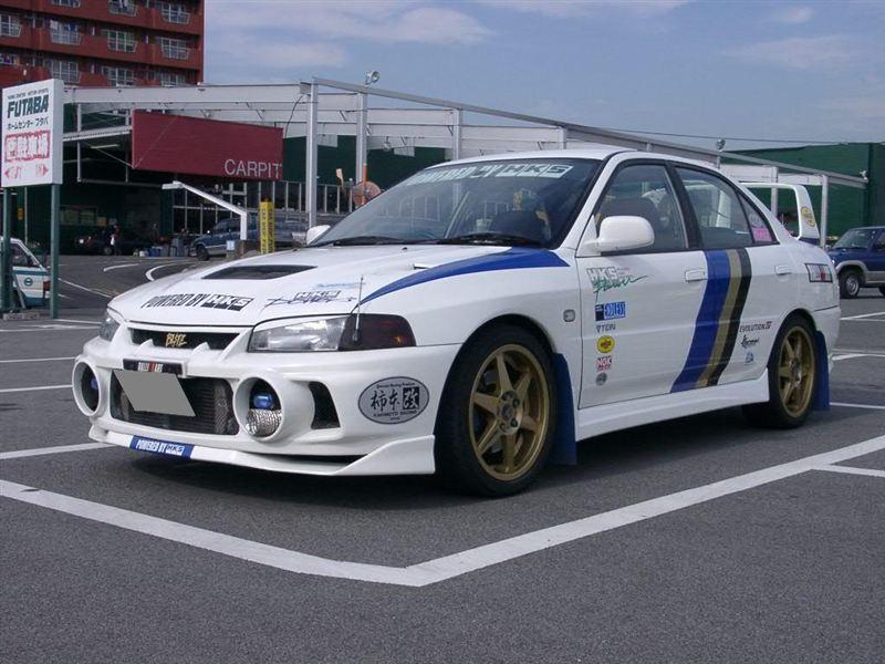三菱 ランサーエボリューションIV