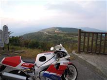 Nabentino YossiさんのFZR750R OW01 メイン画像