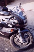 秋代さんのGSX-R400R メイン画像